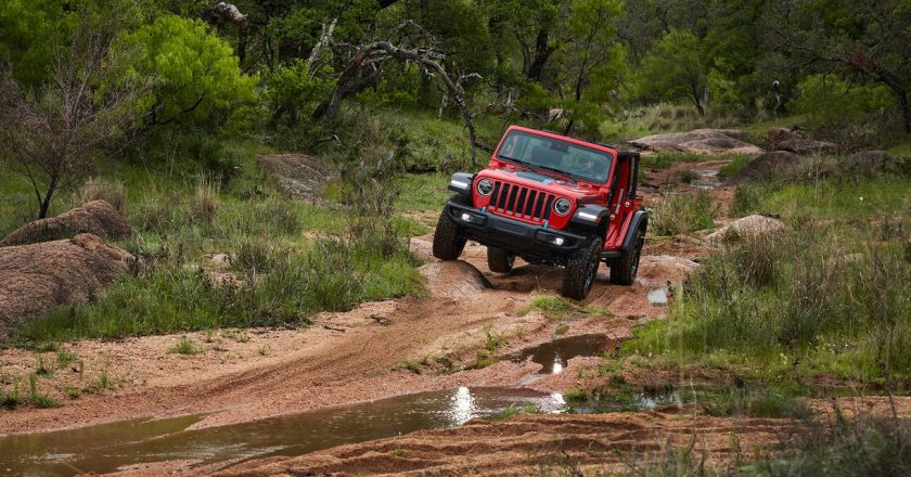 2021 Jeep Wrangler Unlimited Rubicon 4xe: A Hybrid That Comes Up Short