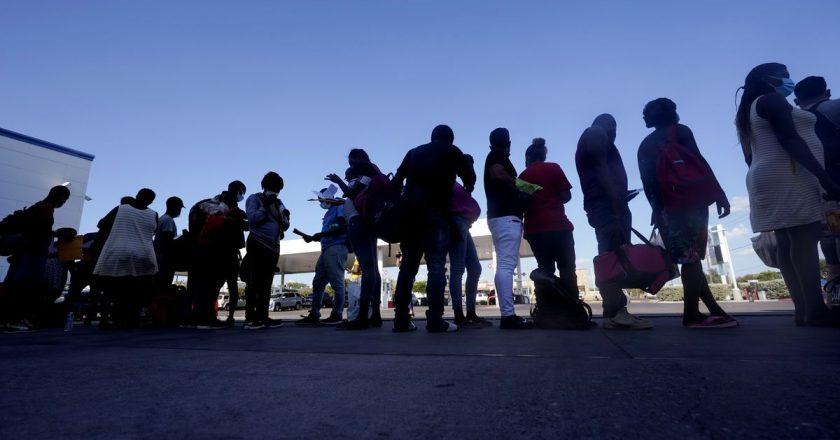 Schism erupts between Biden administration, Democrats over treatment of Haitian migrants