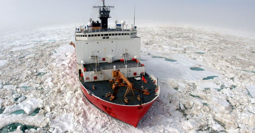 U.S. icebreaker gap with Russia a growing concern as Arctic 'cold war' heats up